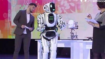 Robot Nga bị lật mặt: Người đóng thế bên trong