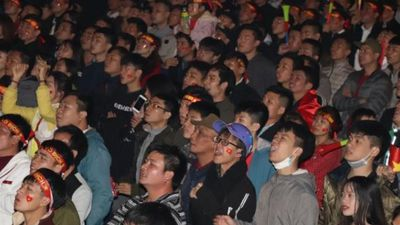 Sơn La: Hàng nghìn người 'đi bão' mừng Việt Nam vô địch AFF Cup
