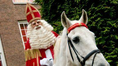 Bất ngờ diện mạo của ông già Noel trên khắp thế giới