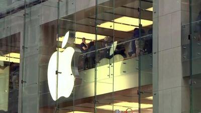 Apple chi 1 tỉ USD xây thêm cơ sở mới ở Mỹ sau áp lực từ Tổng thống Trump