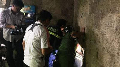 Cận cảnh tên cướp mắc kẹt trong cống thối khi chạy trốn