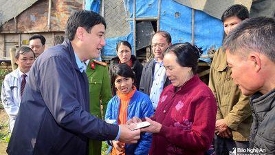Tích cực vận động hỗ trợ quà Tết cho các hộ nghèo ở vùng sâu, vùng xa