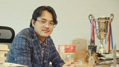 Cổ phiếu Yeah1 giảm thảm,'đại gia' Nguyễn Ảnh Nhật Tống mất gần 800 tỷ đồng