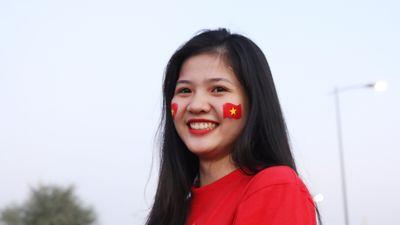 CĐV tiếp lửa cho tuyển Việt Nam quyết đấu với Yemen