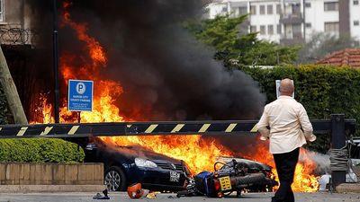 Hiện trường vụ tấn công khủng bố ở Kenya làm 15 người thiệt mạng