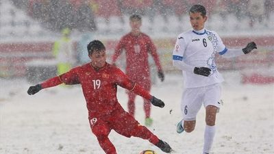 So sánh 2 siêu phẩm cầu vồng của Quang Hải ở U23 Châu Á và Asian Cup