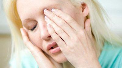 Khám mắt, cô gái được kê thuốc rối loạn cương dương và kết kinh dị