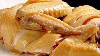 CLIP: Cách chặt thịt gà đẹp như đầu bếp chuyên nghiệp