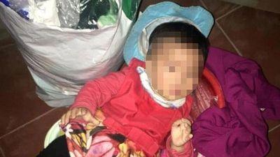 Bé gái bị bỏ rơi trước cổng chùa kèm lời nhắn 'sẽ không đến lấy lại'