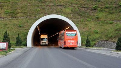 Từ 3/2, bắt đầu áp dụng thu phí sử dụng hầm đường bộ