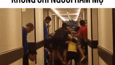 Góc thót tim: Clip thầy Park và các học trò ôm đầu khi nghĩ sẽ phải bốc thăm giành 'vé vớt' vào vòng 1/8