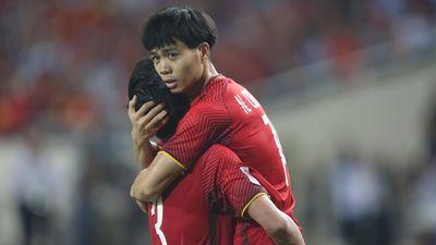Việt Nam bị đánh giá thấp gấp đôi cơ hội vô địch so với Thái Lan