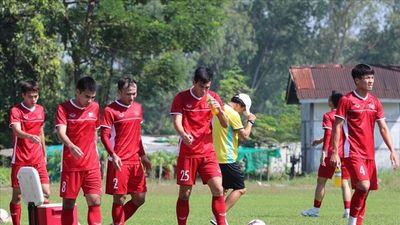 Tuyển Việt Nam tích cực tập luyện để đấu Jordan ở vòng 1/8 Asian Cup