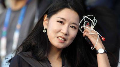 Gửi gắm thú vị của nữ MC truyền hình xinh đẹp Hàn Quốc đến HLV Park Hang-seo