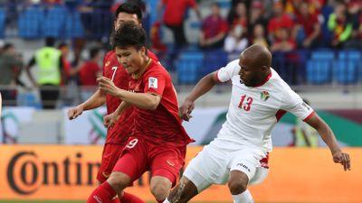 Vì sao Việt Nam bị thổi quả phạt gián tiếp dẫn đến bàn thua?
