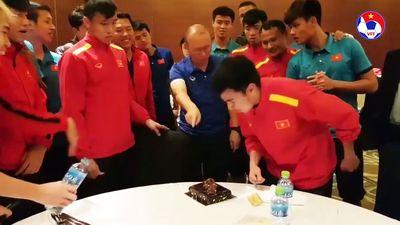 Đức Huy bị thầy Park troll nhân dịp sinh nhật