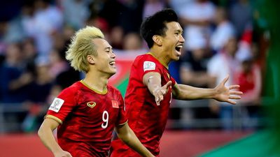 Một năm kỳ diệu của bóng đá Việt Nam: Vì ta chưa từng nói thế là đủ