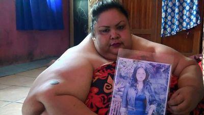 Indonesia: Bà mẹ 6 năm ngủ sấp vì quá béo