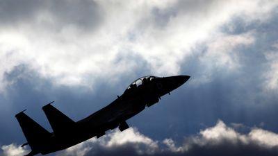 Syria dọa tấn công sân bay Israel