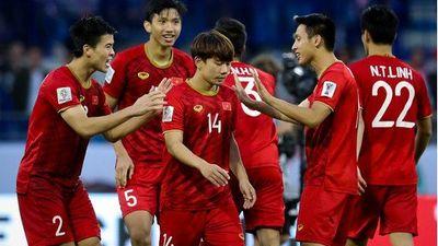 Chuyên gia Việt nhận định trái chiều về trận tứ kết Việt Nan và Nhật Bản