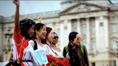 New Zealand cấm Huawei, khách Trung Quốc tẩy chay trả đũa