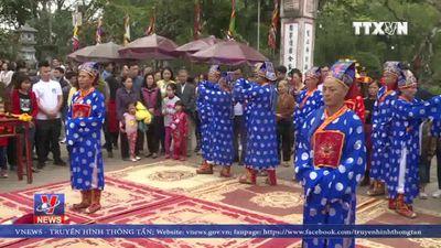 Trang trọng nghi lễ rước nước - tế cá tại đền Trần