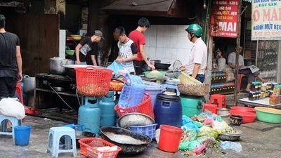 Hàng ăn tại lễ hội chùa Hương: 9/10 mẫu bát bẩn