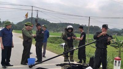 Súng ngắn, lựu đạn tại hiện trường vụ cố thủ trong xe chở ma túy