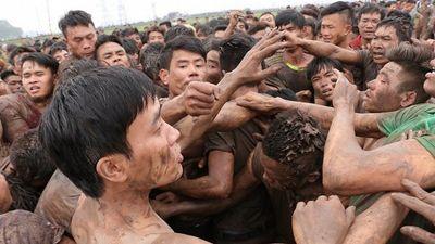 An ninh tăng cường nhưng lễ hội Phết Hiền Quan vẫn vỡ trận