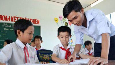 Những thầy giáo trẻ 'gieo chữ' ở Trường Sa