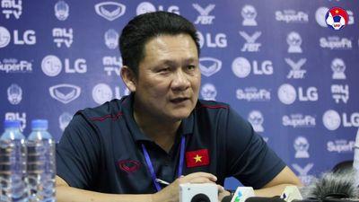 Clip: HLV Nguyễn Quốc Tuấn 'mổ xẻ' trận U22 Việt Nam 2-1 U22 Philippines