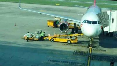 Kỷ luật nhân viên Sân bay Đà Nẵng quăng quật hành lý của hành khách không thương tiếc