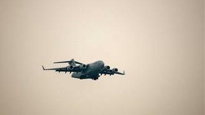 Tận thấy chiếc C17 Globemaster III hạ cánh xuống sân bay Nội Bài