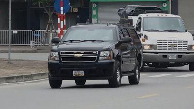 Nhiều mật vụ Mỹ và xe chở thiết bị đến khách sạn ở Hà Nội