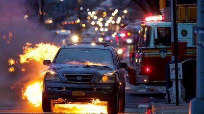 Dính nghi án cháy xe, Hyundai và Kia bị điều tra dồn dập