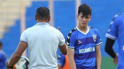 Tiền đạo Tiến Linh bất ngờ ở lại với U23 Việt Nam