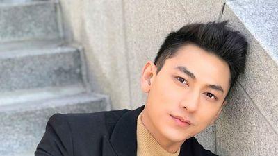 Clip: Isaac hốt hoảng đỡ fan đứng dậy trong vòng vây kín của khán giả đêm nhạc tại Hà Nội