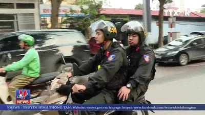 Cảnh sát cơ động tuần tra ban ngày