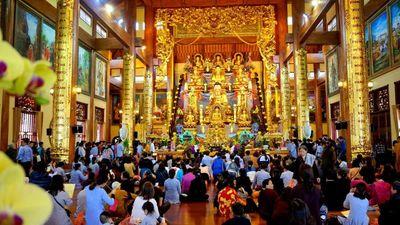 Công an xác minh dấu hiệu mê tín dị đoan tại chùa Ba Vàng