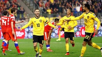 'Người nhện' Courtois tặng quà, Hazard đòi lại 3 điểm cho Bỉ