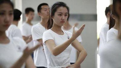 Nữ sinh Trung Quốc hé lộ chuyện bán trứng để trả nợ 9.000 USD