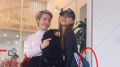 Bạn gái Quang Hải ăn gạch đá sau khi đăng 'bức ảnh kỳ lạ'