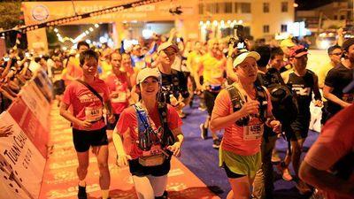Tiền Phong Marathon 2019: Khai cuộc lúc rạng đông