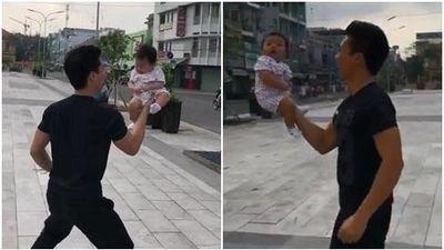 Thót tim khi chứng kiến 'hoàng tử xiếc' Quốc Nghiệp dùng một tay nâng con gái 3 tháng tuổi giữa không trung