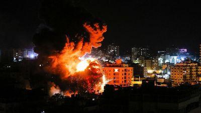 Tên lửa tấn công Tel Aviv, Israel đánh phá dữ dội Dải Gaza