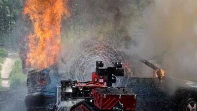 CLIP: 'Vũ khí' quan trọng trong việc chữa cháy cho Nhà thờ Đức Bà Paris