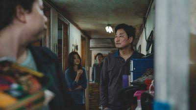 Bom tấn 'Parasite' và 'The Gangster, the Cop, the Devil' sẽ là 2 đại diện của Hàn Quốc tham gia LHP Cannes 2019