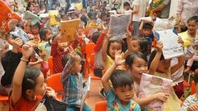 Bắc Kạn: Trao quà cho học sinh nghèo ở xã vùng cao An Thắng