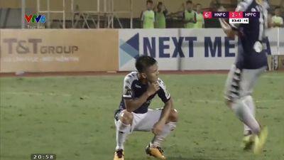 Lý giải động tác ngồi xổm ăn mừng bàn thắng của Quang Hải