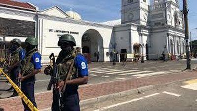 Xe bom khủng bố nổ tan tành khi cảnh sát Sri Lanka tìm cách phá bom